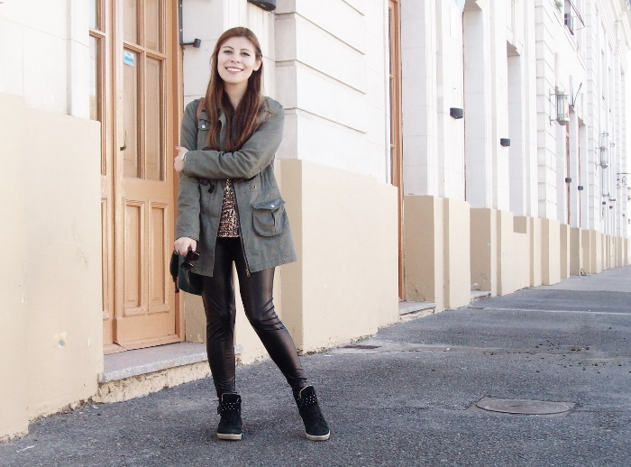 military-green-parka-faux-leather-leggings-streetstyle-argentina-blogger-animal-print02