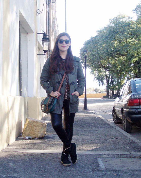 military-green-parka-faux-leather-leggings-streetstyle-argentina-blogger-animal-print03