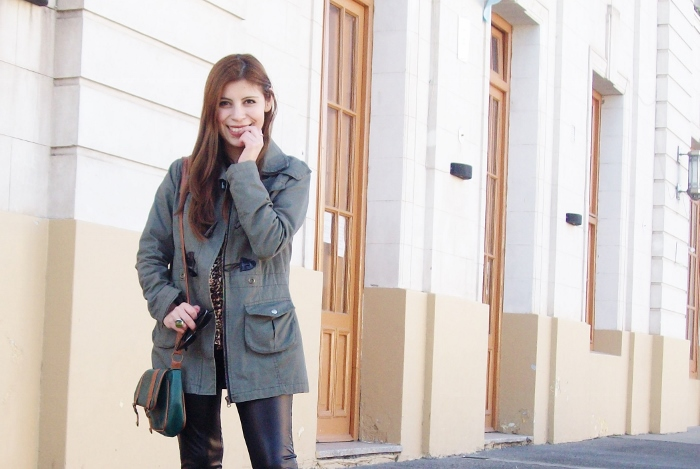 military-green-parka-faux-leather-leggings-streetstyle-argentina-blogger-animal-print04