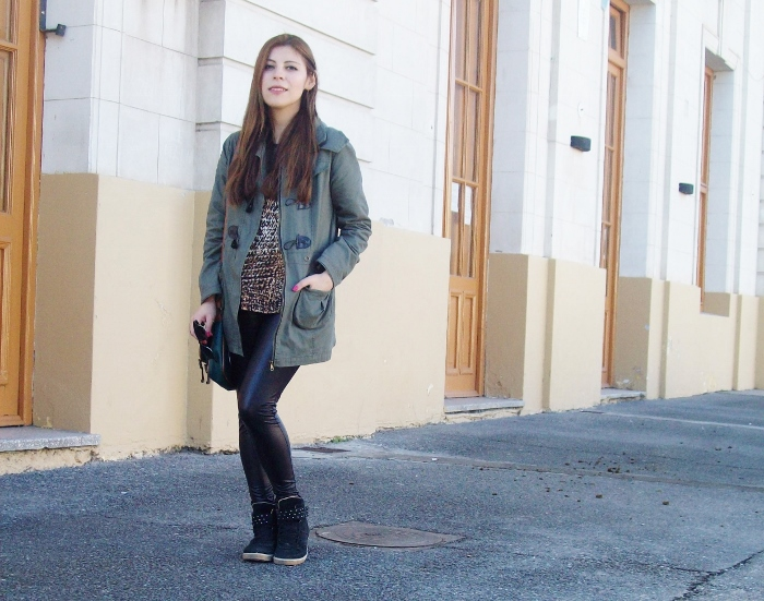 military-green-parka-faux-leather-leggings-streetstyle-argentina-blogger-animal-print09