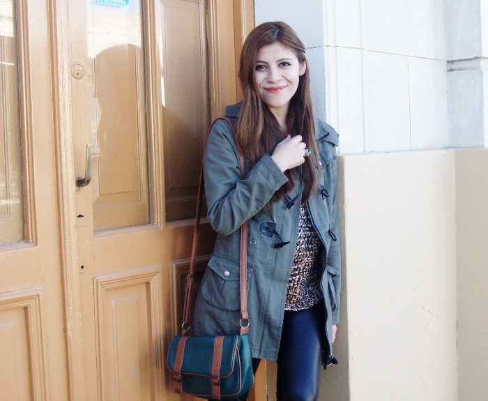 military-green-parka-faux-leather-leggings-streetstyle-argentina-blogger-animal-print10
