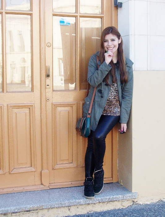 military-green-parka-faux-leather-leggings-streetstyle-argentina-blogger-animal-print12