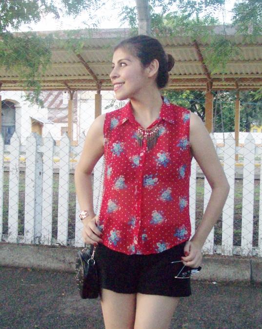 red-shirt-white-stilettos-streetstyle12