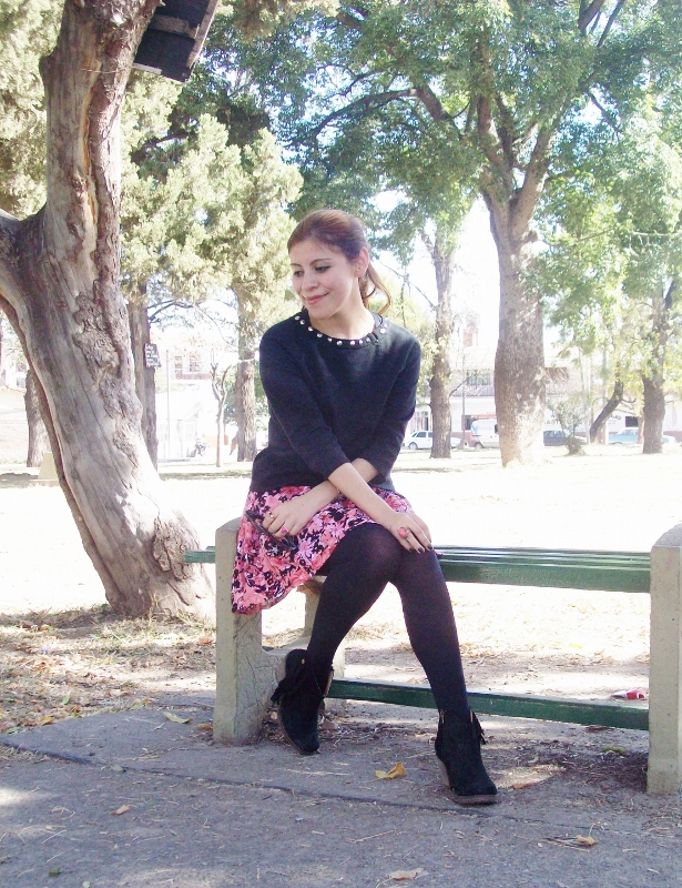 studs-floral-fashion-blogger-streetstyle-winter-tights-booties08