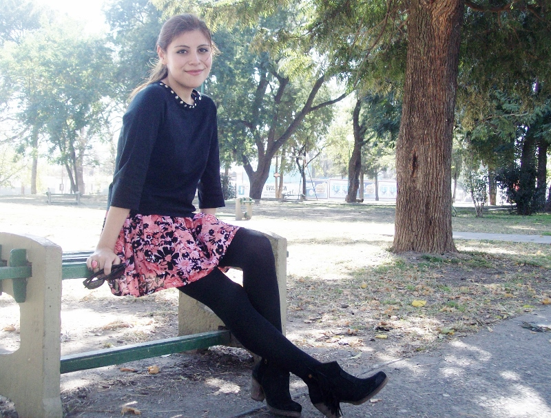 studs-floral-fashion-blogger-streetstyle-winter-tights-booties12